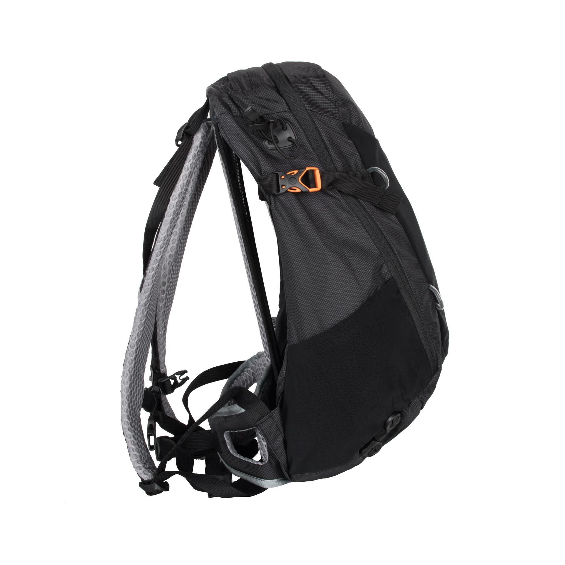 Lowe Alpine AirZone Z 25 Black AirZone Z25 je batoh vhodný pre každodenné užívanie, pohyb po meste, šport aj turistiku.