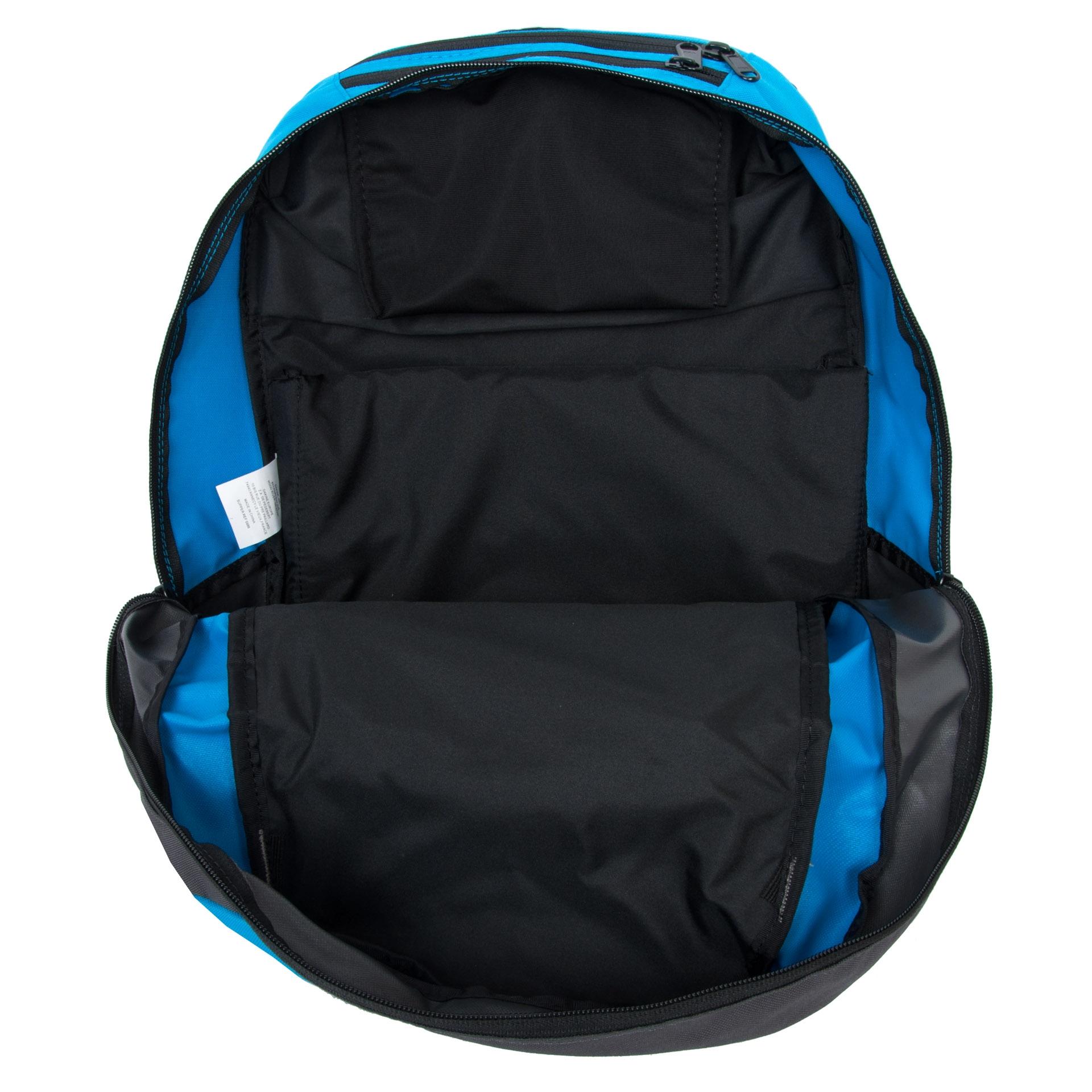 Dakine Explorer 26L Blue Študentský batoh Dakine Explorer je vhodný pre aktívnych študentov, milovníkov skate parkov aj pre bežné nosenie po meste.  - veľký hlavný oddiel s vystuženým vreckom na notebook (15