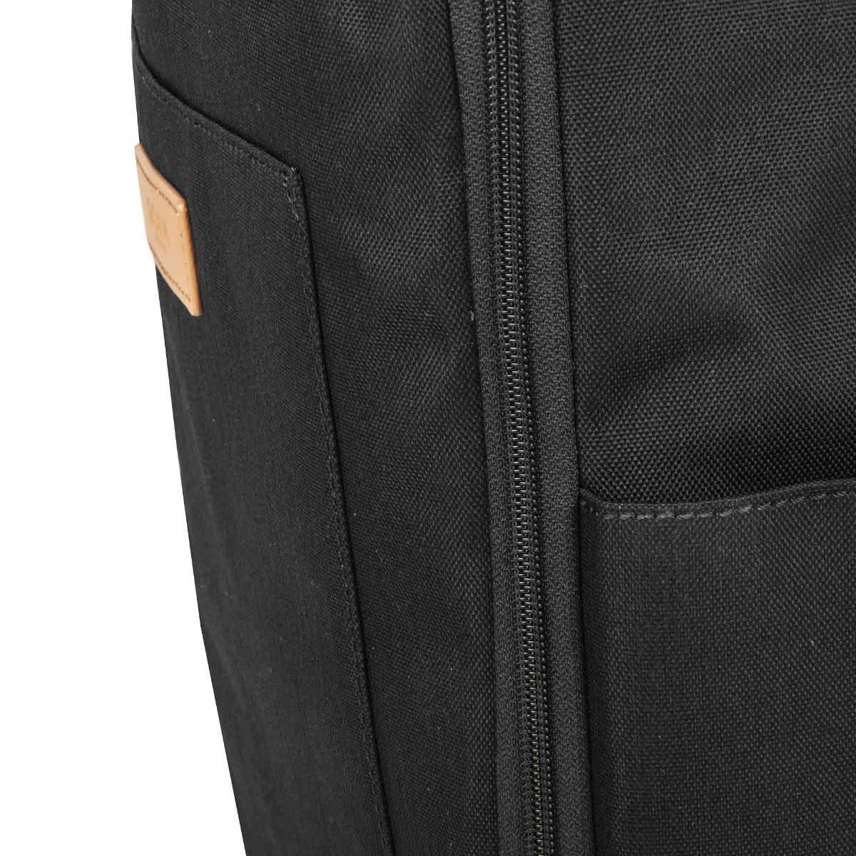 Golla Orion L Recycled Black.  čalúnené vrecko na notebook veľkosti 15,6