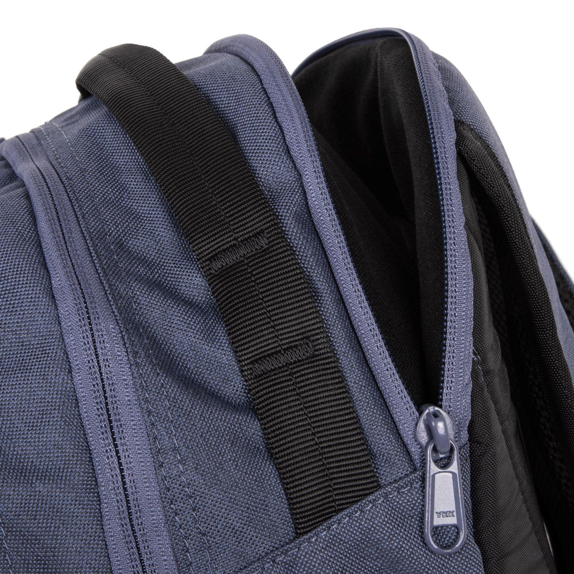 Dakine Women 'Mission 25L Seahore Women 'Mission 25L je viacúčelový batoh, ktorý ponúka veľa vychytávok.