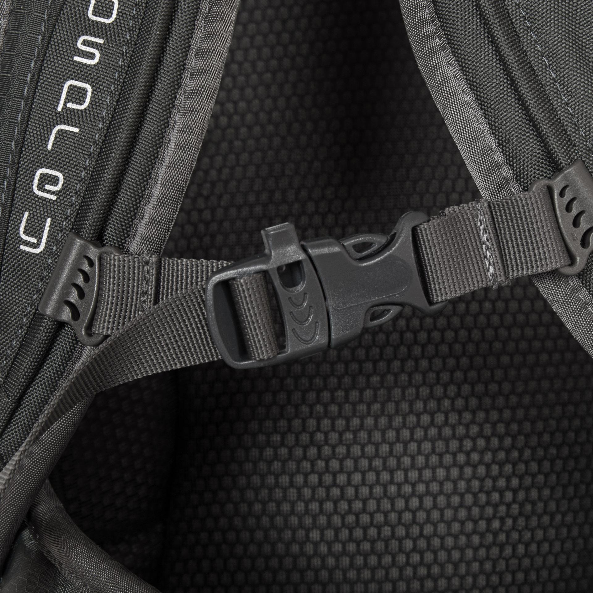Osprey Farpoint 40 M/L Volcanic Grey Ľahká cestovná taška od firmy Osprey je ideálnym pomocníkom pre všetkých, ktorí radi a často cestujú.