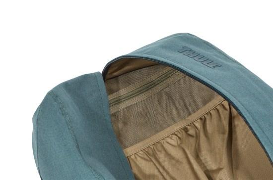 Thule Vea 17 l Deep Teal Vea 17 je batoh pre všetkých, ktorí žijú aktívnym životom.  - polstrované vrecko pre 15