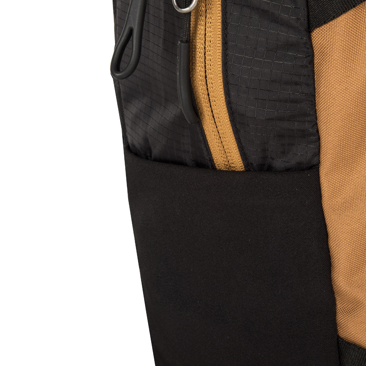 Tatonka Baix 15 Black Tatonka Baix 15 je kompaktný batoh vyrobený z pevného a odolného materiálu.