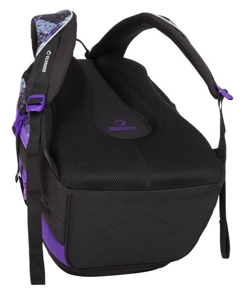 Bagmaster Theory 8 B Black/violet/grey Dvojkomorový batoh Theory 7 s dvomi prednými vreckami na zips bude verným spoločníkom vášmu dieťaťu ako v škole, tak vo voľnom čase, kedy sa s ním môže vydať na prechádzku, k babičke i do športového oddielu.  - čalúnený chrbtový systém s odvetrávaním - anatomicky tvarované ramenné popruhy s čalúnením a reflexným prámikom - priestranná hlavná komora s integrovaným separačným vreckom na učebnice a školské dosky - čalúnené vystužené bočnice (výška 18 cm) vo vnútri hlavnej komory spevnia celý batoh - druhá komora vhodná pre dokumenty, knihy i školské dosky formátu A4 - prehľadný organizér s vreckom na mobil (14,5 x 7,5 cm), klipom na kľúče, sieťovaným vreckom na gumu a väčšie vrecko na zips v hornom prednom vrecku - spodné vrecko na zips vhodné na desiatový box alebo na peračník Case Theory 7 - bočné kompresné popruhy - dve bočné vrecká vhodné na fľašu - prešité a čalúnené dno zo stabilného 1680 D materiálu zaisťuje stabilitu (batoh samostatne stojí) - čalúnené ucho - pevné pútko na zavesenie - reflexné prvky na prednom paneli - reflexné materiály spĺňajú z hľadiska nezávadnosti normy EU - predĺžená záruka 3 roky  - možnosť dokúpiť flexibilníhrudní popruh - každý batoh môže byť originál, tzn.