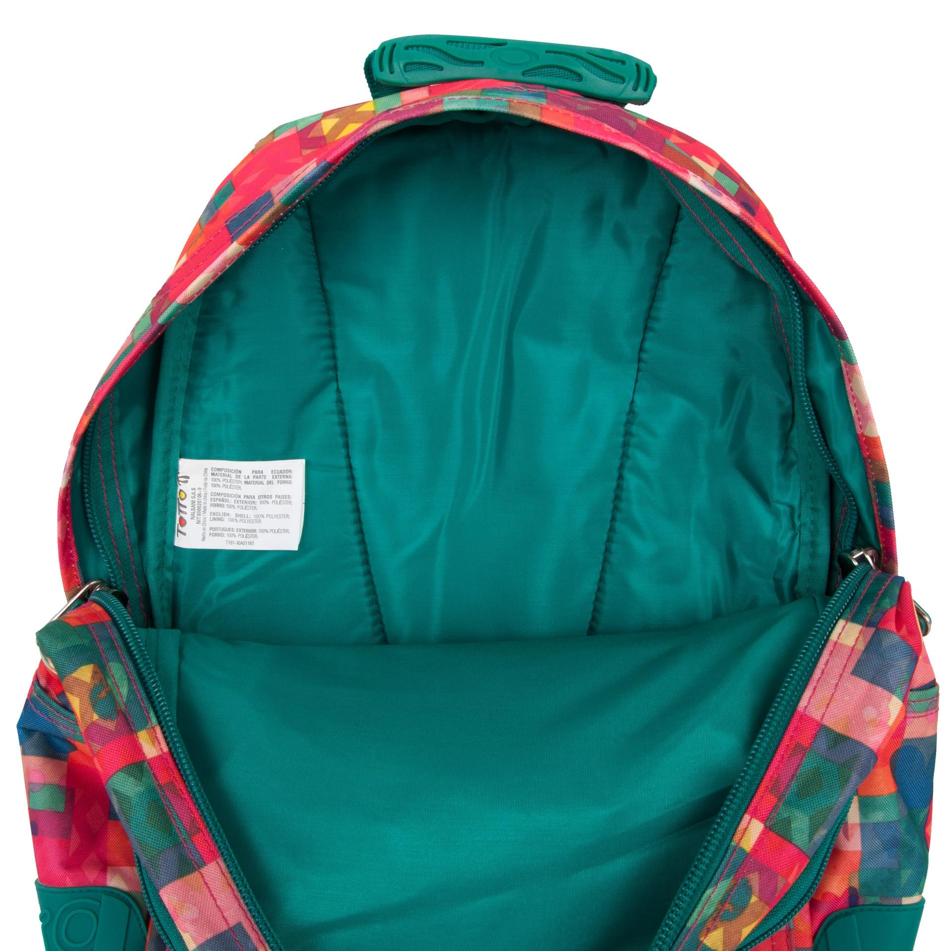 Totto Crayola Multicolor Patchwork Dizajnový batoh Crayola s ergonomickým chrbtovým panelom a esovitými ramennými popruhmi zaistí pohodlné nosenie a vďaka pekným motívom oživí každodennú cestu do školy aj naspať.