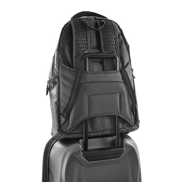 Heys TechPac 07 Charcoal Ľahký, všestranný, odolný a maximálne praktický batoh Techpac 01 je navrhnutý tak, aby umožnil prehľadnú organizáciu, ochranu elektroniky v priebehu cestovania a komfort pri každodennom používaní.